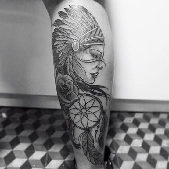 tatuagem na panturrilha masculina de india