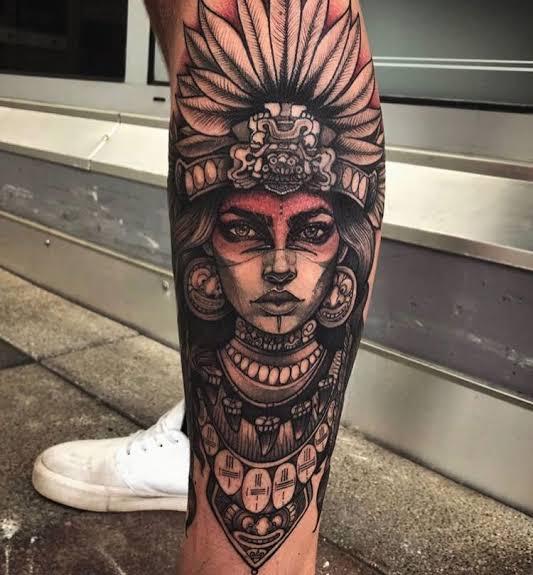tatuagem na panturrilha masculina india sombreada
