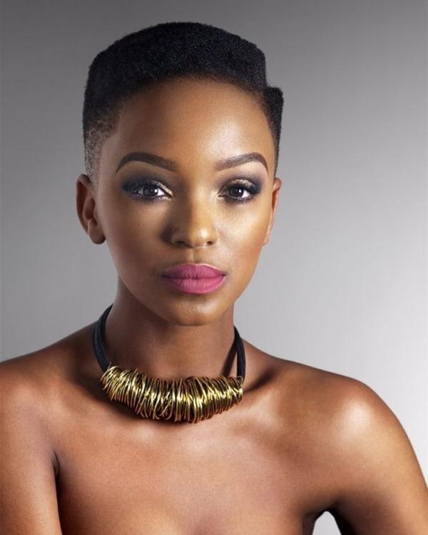 corte moderno para cabelo crespo curto feminino
