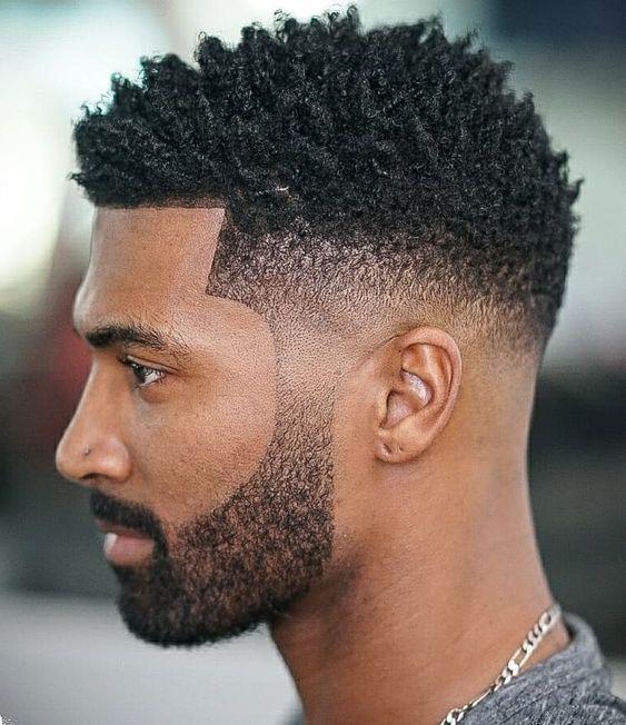 cabelo crespo com corte degradê