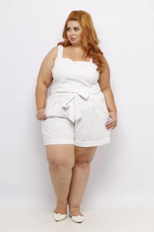 Dica de look com short tipo clochard branco