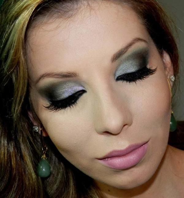 Ideia de maquiagem para usar com vestido azul