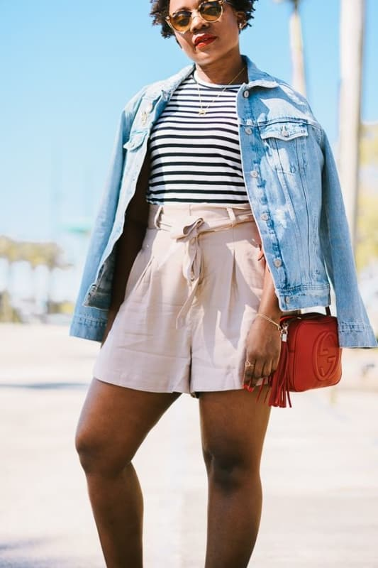 Look plus size com short clochard