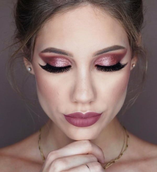 Make com tons de rosa para usar com vestido vermelho ou marsala