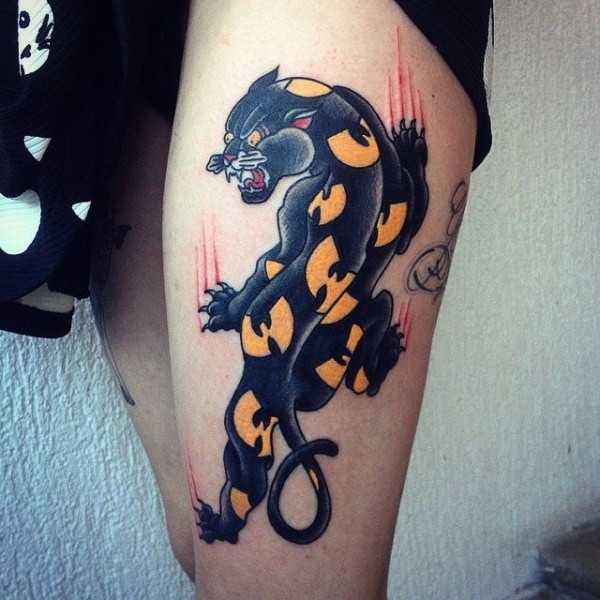 Tattoo feminina pantera negra
