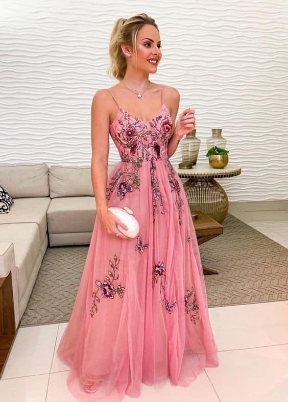 Vestido de festa longo perfeito de alcinha