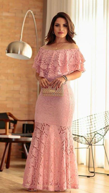 Vestido rosa de festa de renda