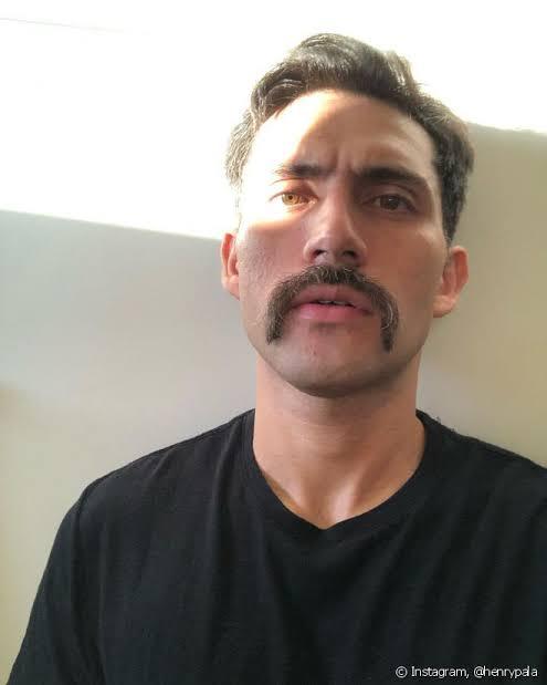 estilo de bigode ferradura