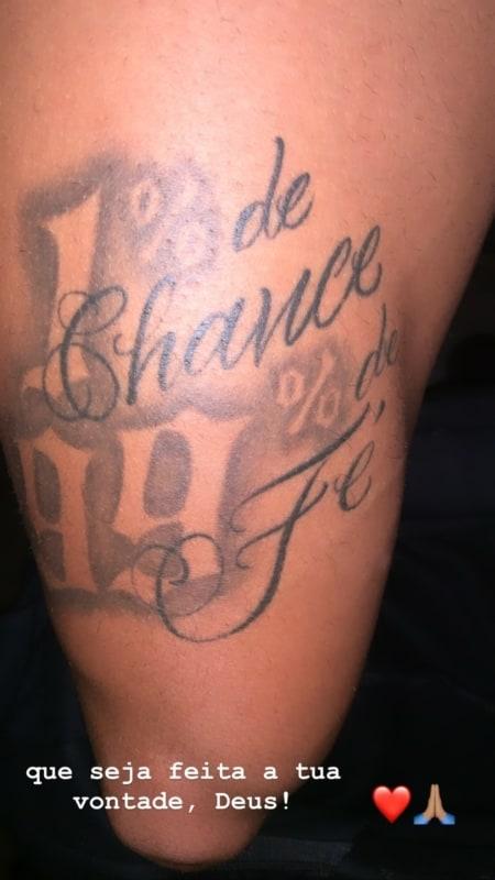 tatuagem na coxa masculina escrita do neymar