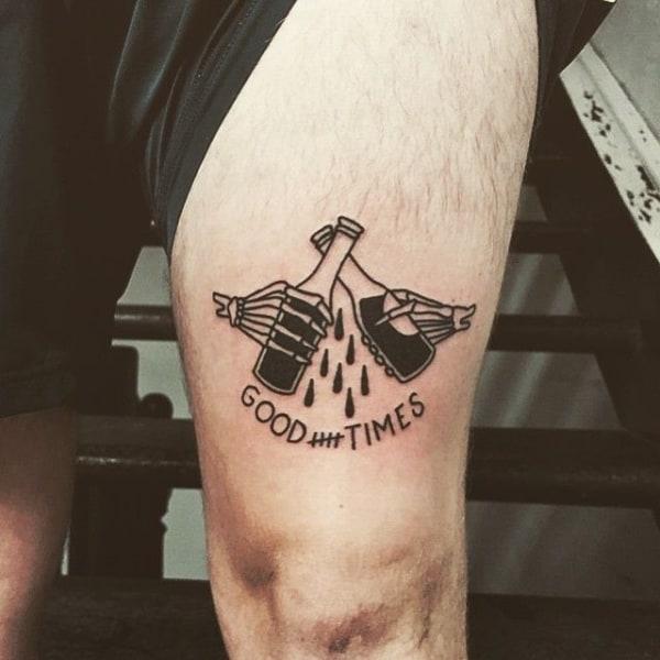 tatuagem na coxa masculina pequena preta