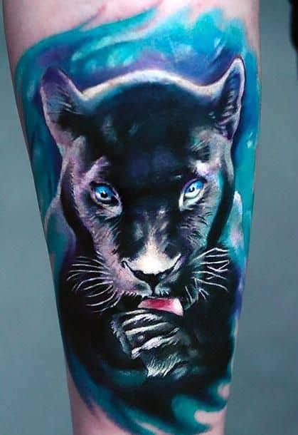 tatuagem pantera negra realista colorida