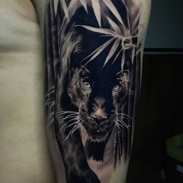 tatuagem pantera negra realista sombreada
