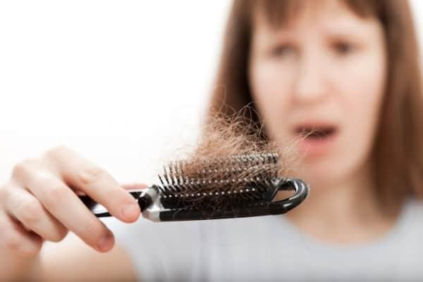 o que ajuda a reduzir queda de cabelo