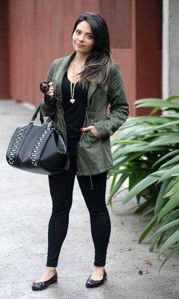 look com legging preta e parka verde