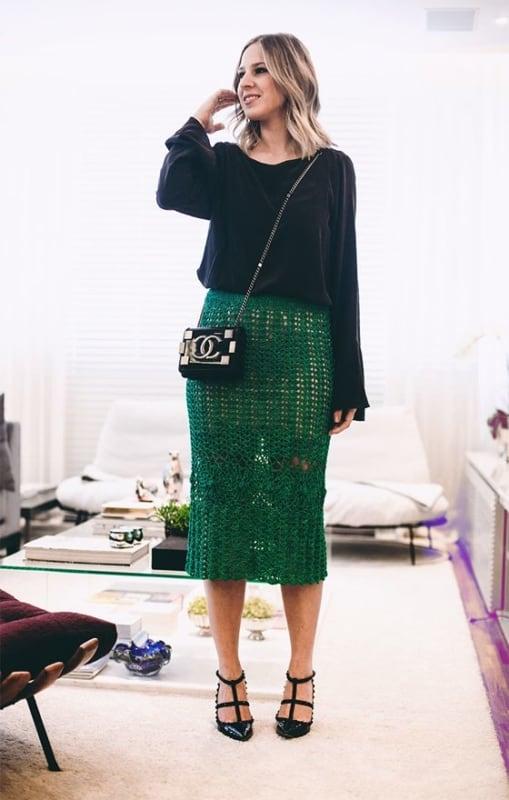 look com saia midi verde de crochê