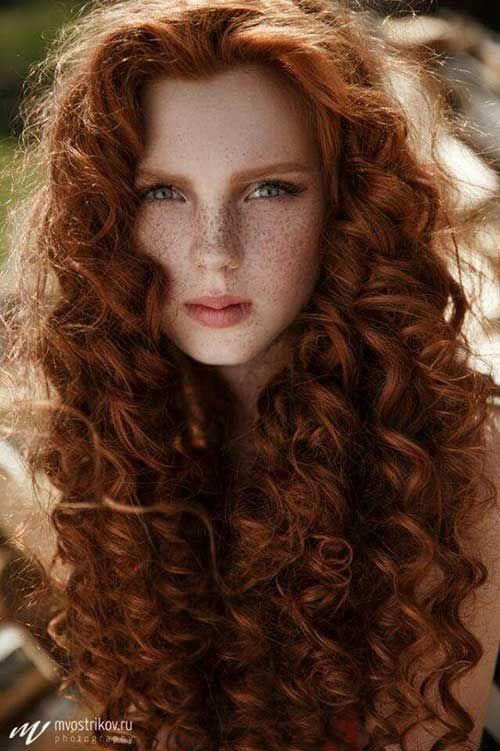 cabelo cacheado ruivo escuro e natural