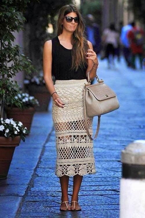 look de verão com saia midi de crochê