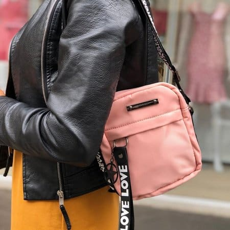 look feminino com shoulder bag rosé
