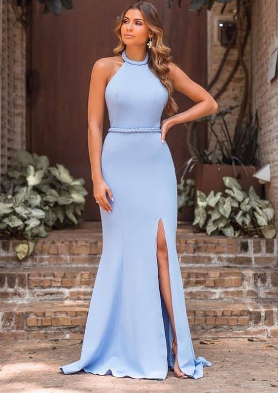vestido de madrinha azul serenity com fenda