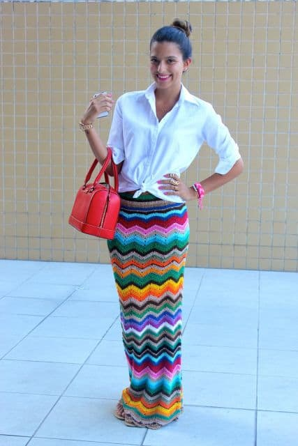 saia longa e colorida de crochê