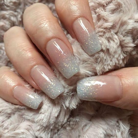 nail art ombré com glitter
