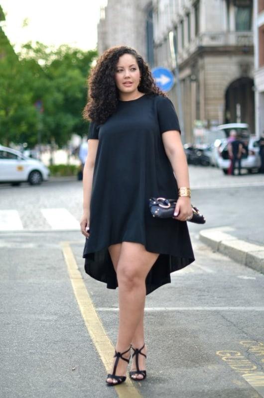 look balada plus size com vestido preto
