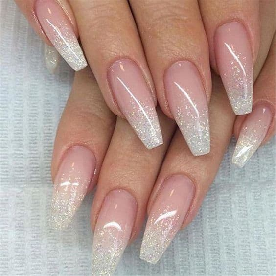 nail art com glitter para unhas longas