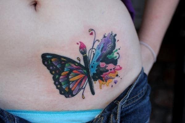 tatuagem feminina de borboleta colorida