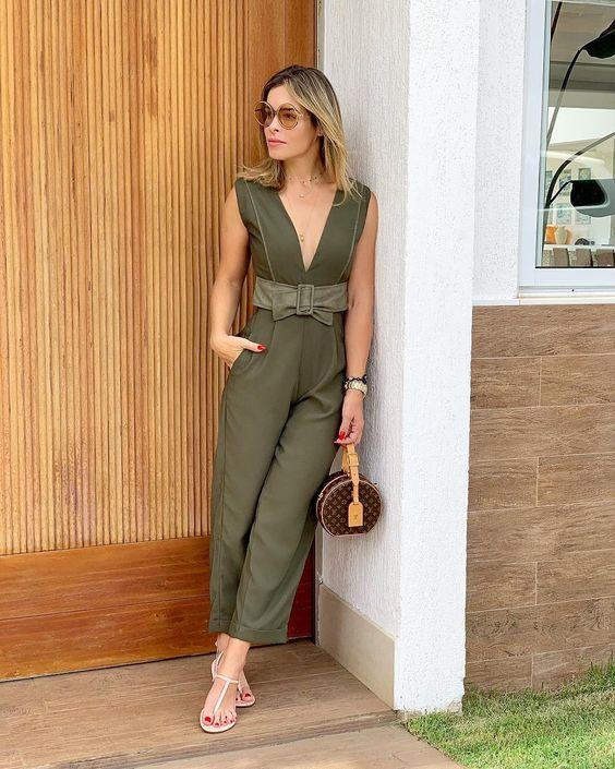 look macacão com cinto verde militar