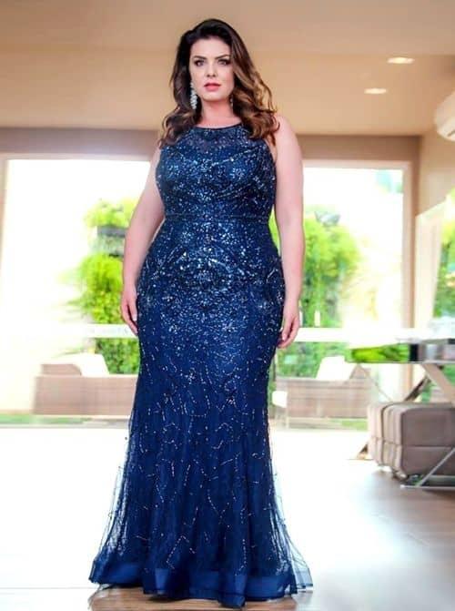 vestido azul de madrinha plus size para casamento a noite