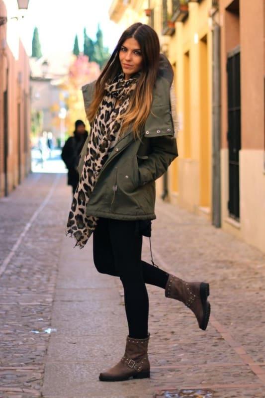 look de inverno com casaco verde militar