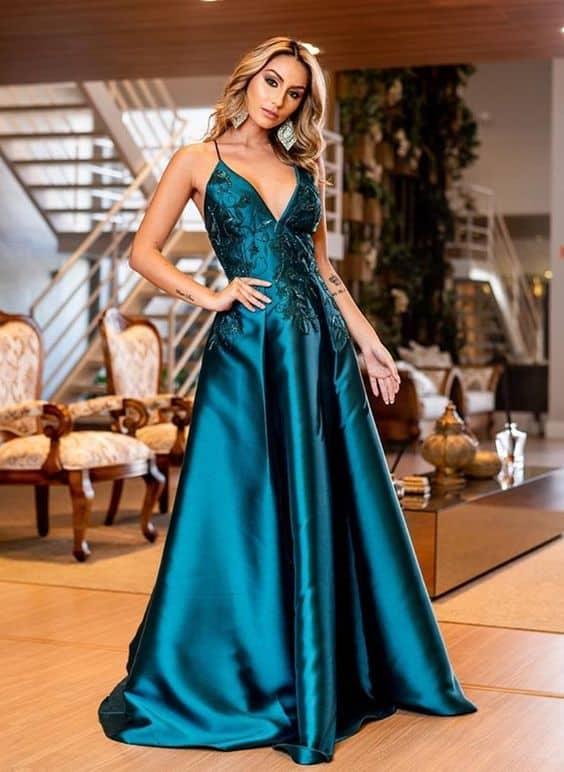 vestido de madrinha azul petróleo para casamento a noite