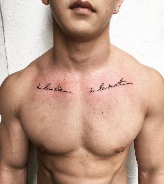 tatuagem masculina de frase