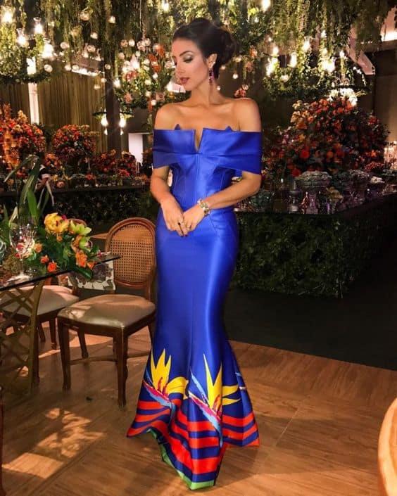 vestido sereia em azul royal para madrinha