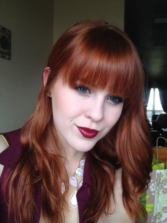 cabelo ruivo com franja reta