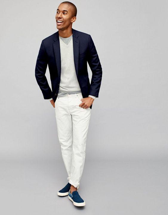 Look com slip on azul colorido