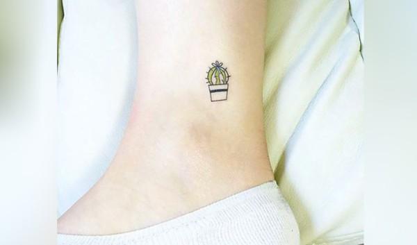 Mini tatuagem de cacto com vasinho