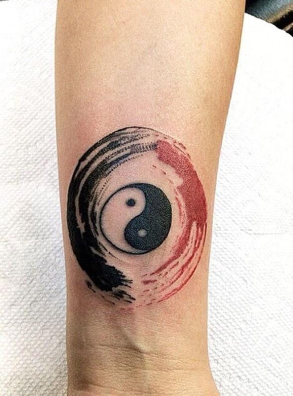 Tatuagem Yin Yang delicada