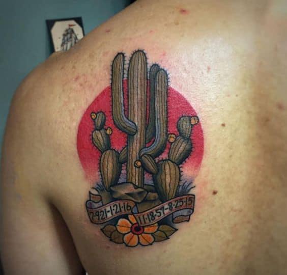 Tatuagem cheia de significado de cactos e flor