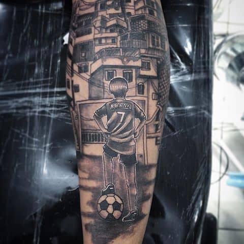 Tatuagem na Perna Fechada favela