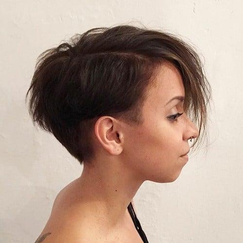 corte assimetrico feminino curto
