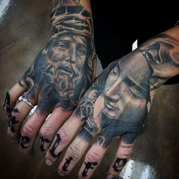 tattoo de Jesus Cristo na mão