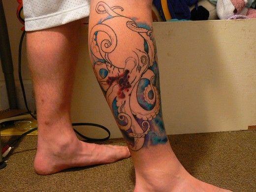tatuagem de polvo na perna conceitual