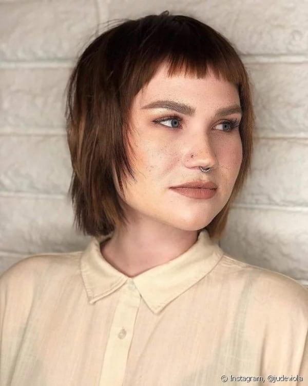 corte de cabelo moderno para rosto quadrado