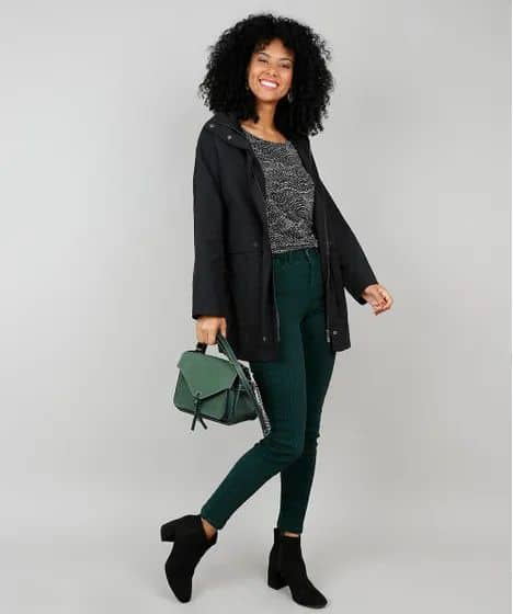 look feminino com parka preta