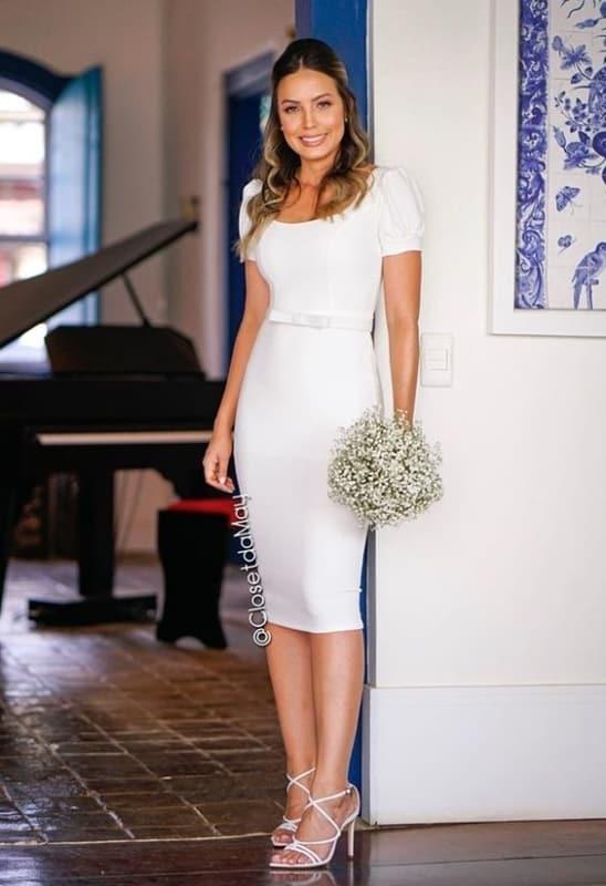 vestido de branco tubinho para noiva