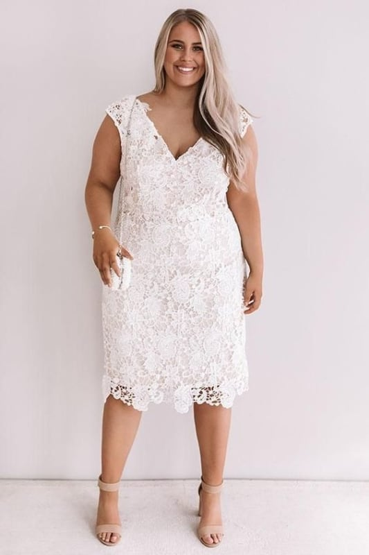 vestido de noiva plus size em renda para casamento civil