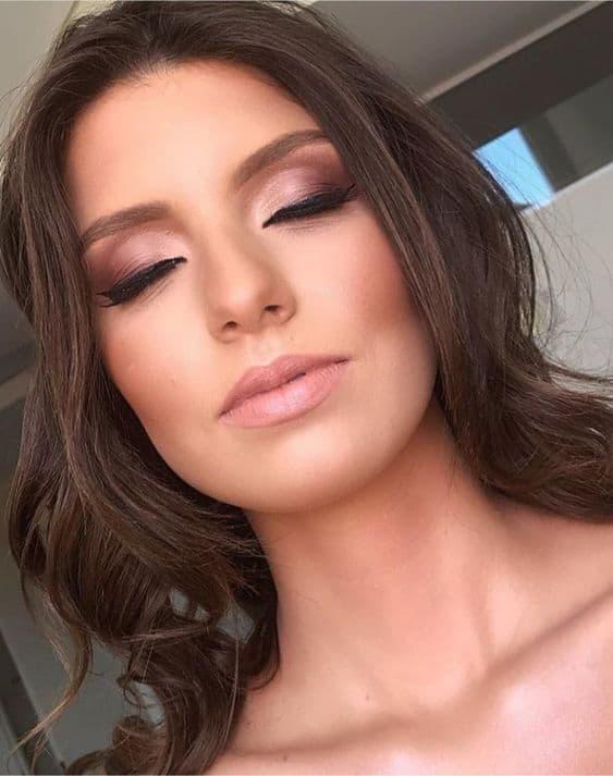 maquiagem de noiva com sombra rosada