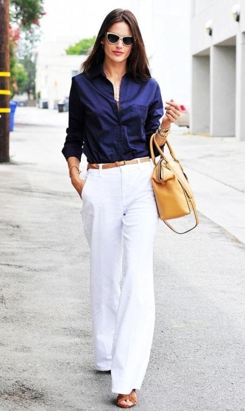 look com calça social branca e camisa azul
