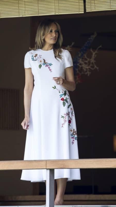 vestido de noiva midi com bordado